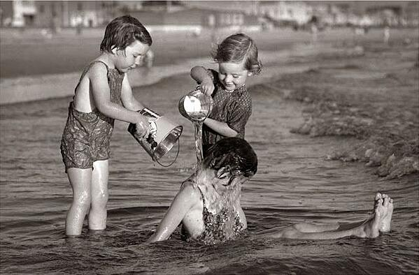 kids in water