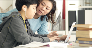 mother_talking_cyber_safety_with_child_300x127px