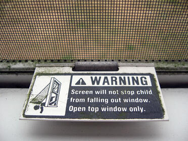 screen warning